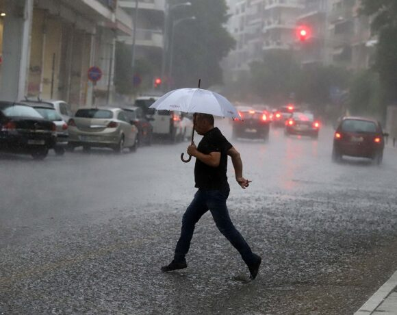 Eκτακτο δελτίο ΕΜΥ: Ερχονται καταιγίδες και χαλάζι