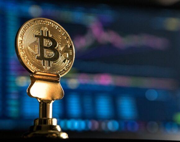 Elon Musk: Δηλώνει ότι θέλει να δει το Bitcoin να πετυχαίνει
