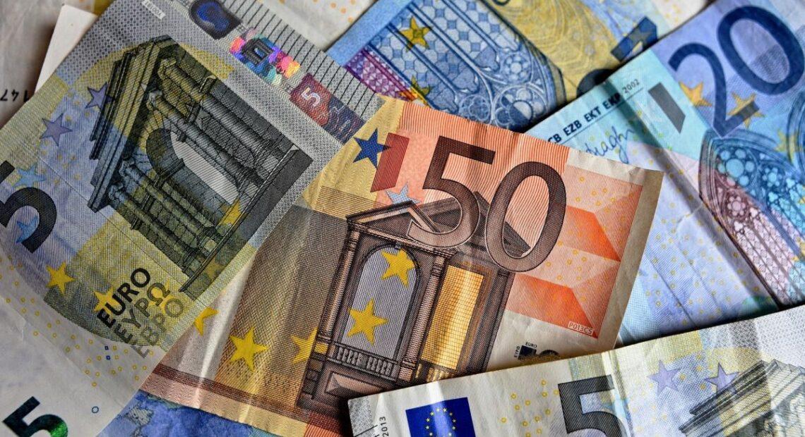EU Signs First 'Greece 2