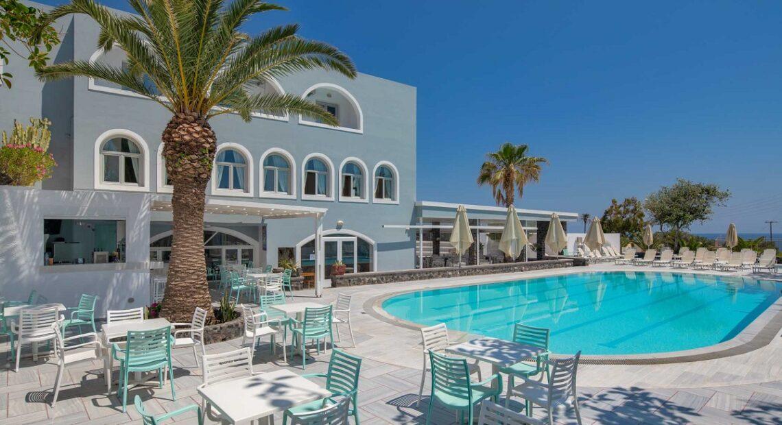 Makarios Hotel Offers Unforgettable Summer Holidays on Santorini