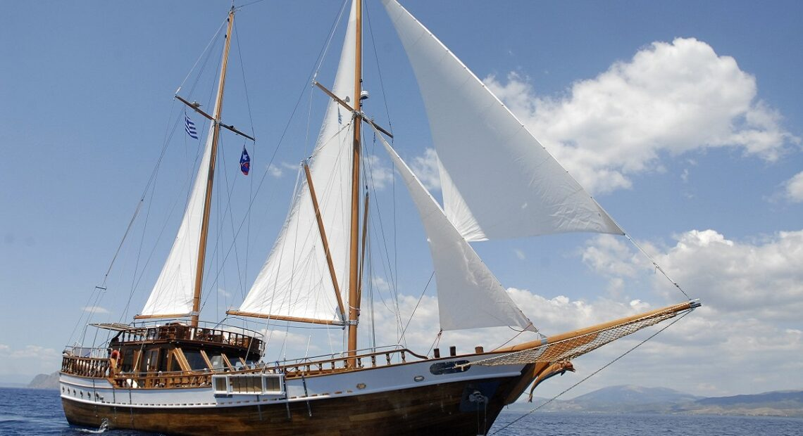 Meandros Cruises Resumes Daily Sailings from Athens to Saronic Islands