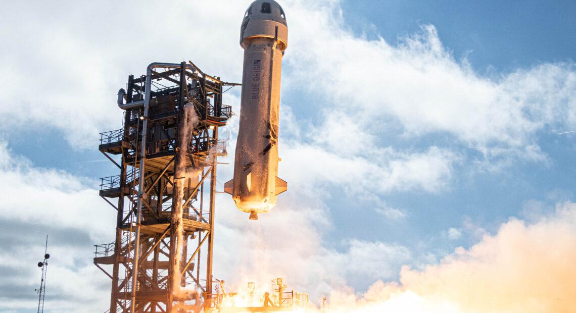 O Jeff Bezos της Amazon ολοκληρώνει το ταξίδι του στο Διάστημα