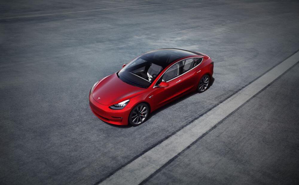 Tesla: Δικάζεται η πιθανή υπαιτιότητα του Autopilot σε δυστύχημα