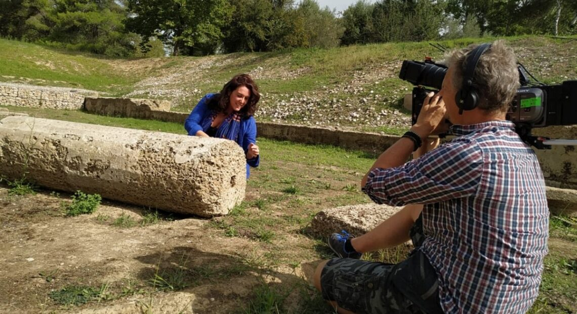 Bettany Hughes Shows Greece's 'Wonders' to UK Audience