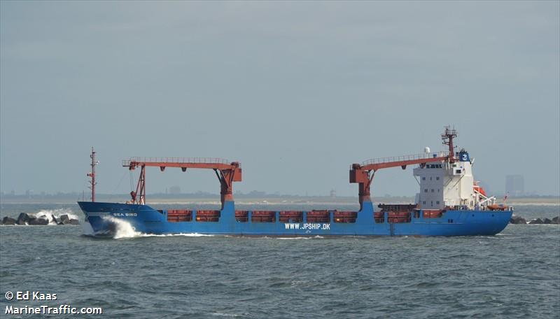 Ικανοποιητικά εξελίσσονται οι εργασίες απορρύπανσης στη θαλάσσια περιοχή «Καραβιά»