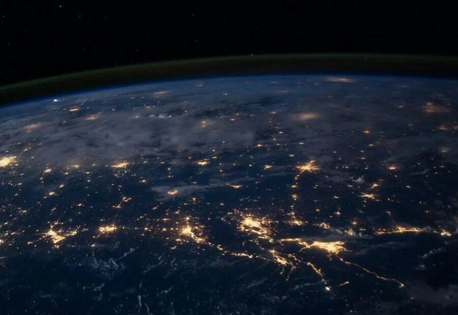 Αποκάλυψη: Μακράς διαρκείας μπλακ άουτ στο Ίντερνετ μπορεί να φέρει η επόμενη ηλιακή καταιγίδα