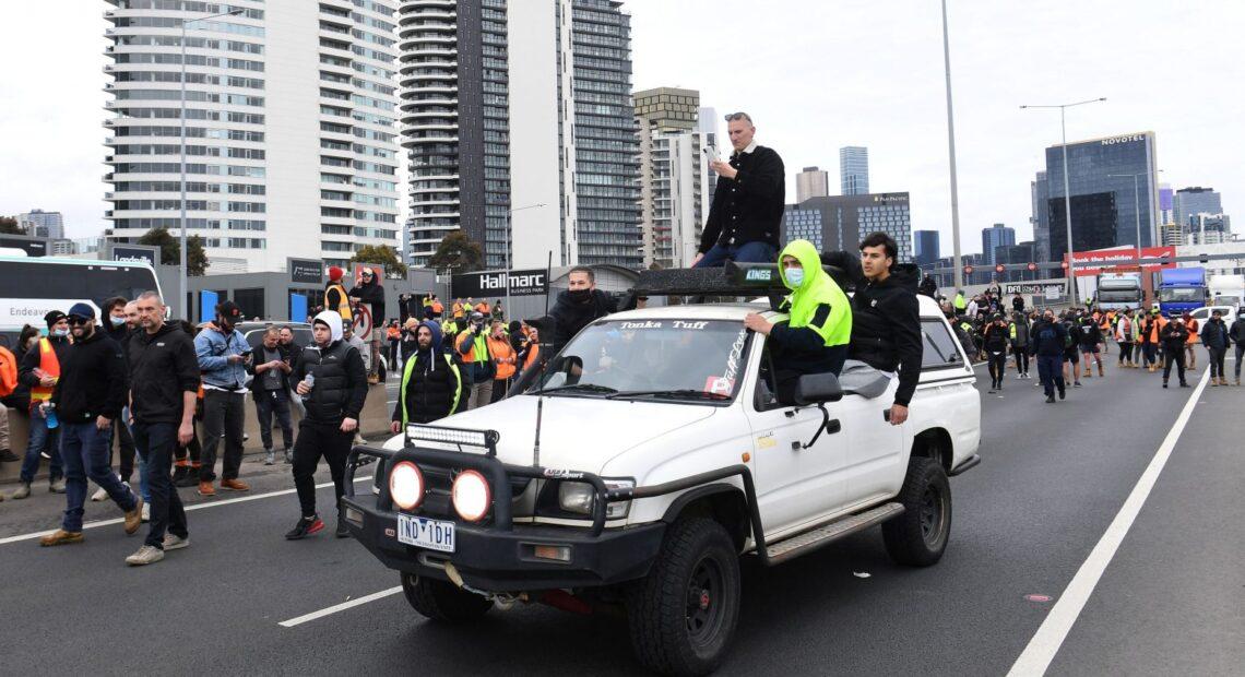 Αυστραλία – Μπίλιες πιπεριού και σφαίρες καουτσούκ κατά διαδηλωτών ενάντια στα μέτρα για τον κοροναϊό