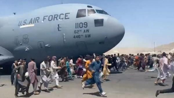 Αφγανιστάν – Η ιστορία εννέα παιδιών που διέφυγαν χωρίς την οικογένειά τους από τη χώρα