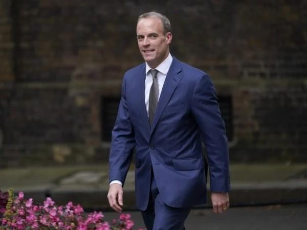 Βρετανία – Αφγανιστάν και πανδημία «ξηλώνουν» υπουργούς