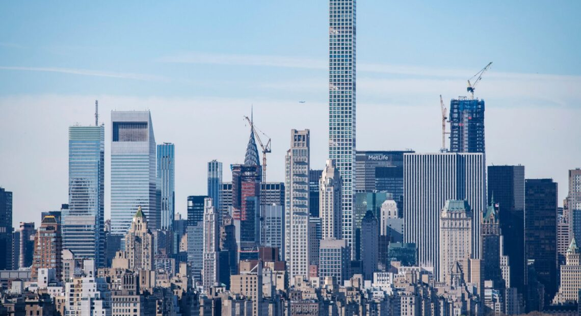 Γεμάτος… προβλήματα ο ψηλότερος ουρανοξύστης στη Νέα Υόρκη; – Αγανακτισμένοι οι πάμπλουτοι ένοικοί του