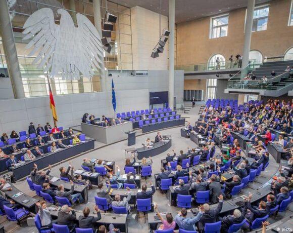Γερμανικές εκλογές: Η Βουλή αυξάνεται και πληθύνεται