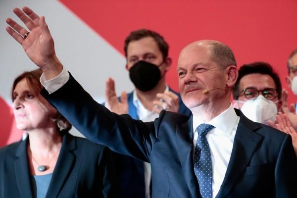 Γερμανικές εκλογές – Ολαφ Σολτς, ο ουραγός που κατάφερε να θριαμβεύσει στις κάλπες