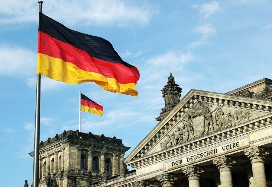 Γερμανικές εκλογές: Στη μία μονάδα η διαφορά Χριστιανικής Ένωσης-Σοσιαλδημοκρατών