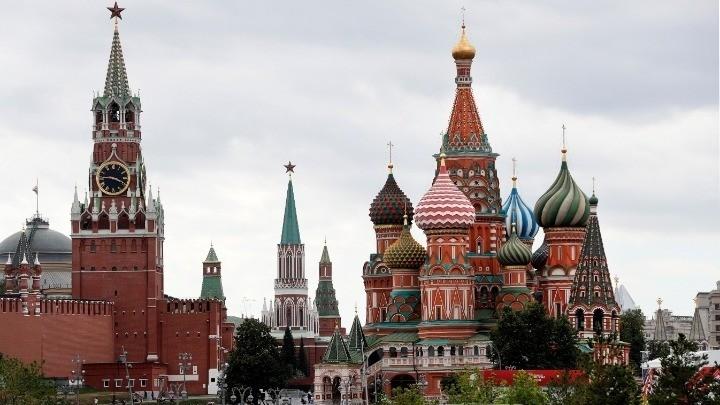Δημοσκόπηση: Πώς βλέπουν οι Ρώσοι τις ΗΠΑ και την ΕΕ – Θεωρούν ότι βρίσκονται σε διεθνή απομόνωση