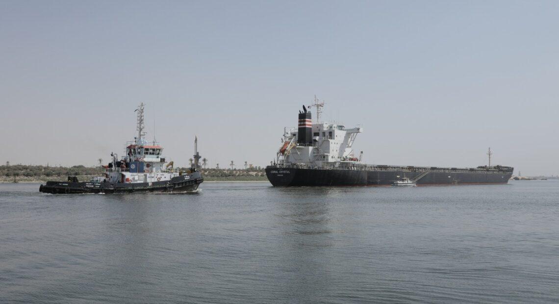 Διώρυγα του Σουέζ: Πλοίο μπλόκαρε ξανά την κίνηση