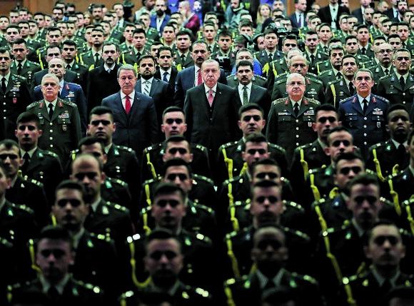 Ερντογάν – Φουντώνουν οι φήμες για διαδοχή όσο συνεχίζονται τα προβλήματα υγείας