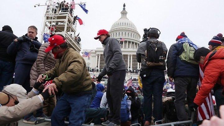 ΗΠΑ: Έρευνα για το ρόλο του Ντόναλντ Τραμπ στην επίθεση στο Καπιτώλιο – Καταθέτουν στενοί συνεργάτες του