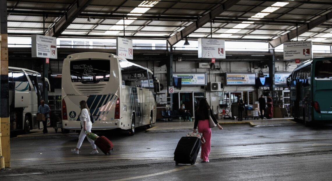 ΚΤΕΛ: Έφοδος της Τροχαίας σε σταθμούς – Γιατί έπεσαν βαριά πρόστιμα