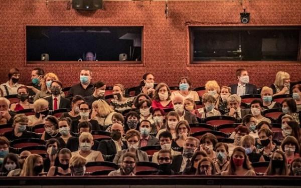Μέτρα – Πώς θα λειτουργούν από σήμερα θέατρα, σινεμά και μουσεία