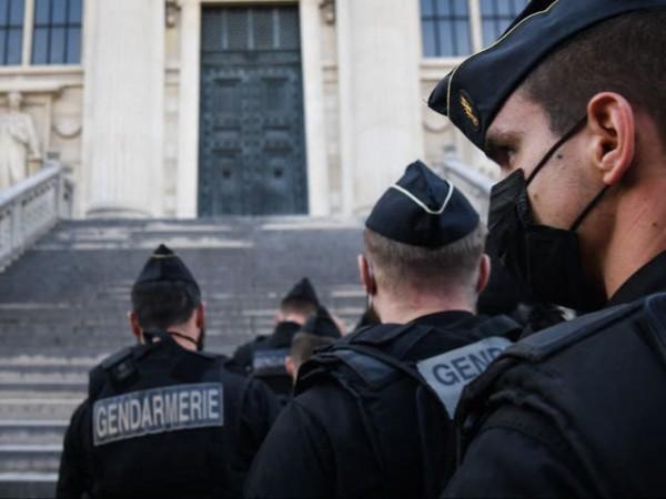 Μπατακλάν – Ξεκίνησε η πολύκροτη δίκη με το βλέμμα στις γαλλικές εκλογές