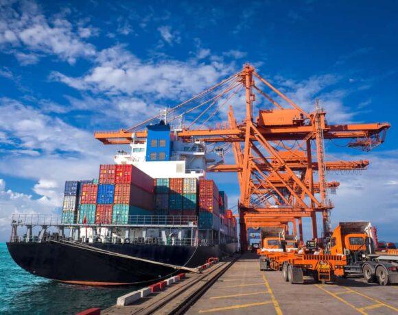 Οι Γάλλοι «παγώνουν» τα ναύλα και προσπαθούν να βάλουν φρένο στην τρέλα της ναυλαγοράς των container vessels