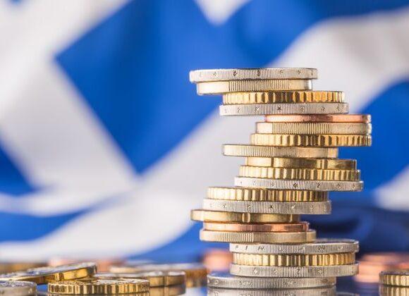 Προϋπολογισμός: Το Ταμείο Ανάκαμψης… στήριξε τα έσοδα – Ποιοι φόροι δεν απέδωσαν