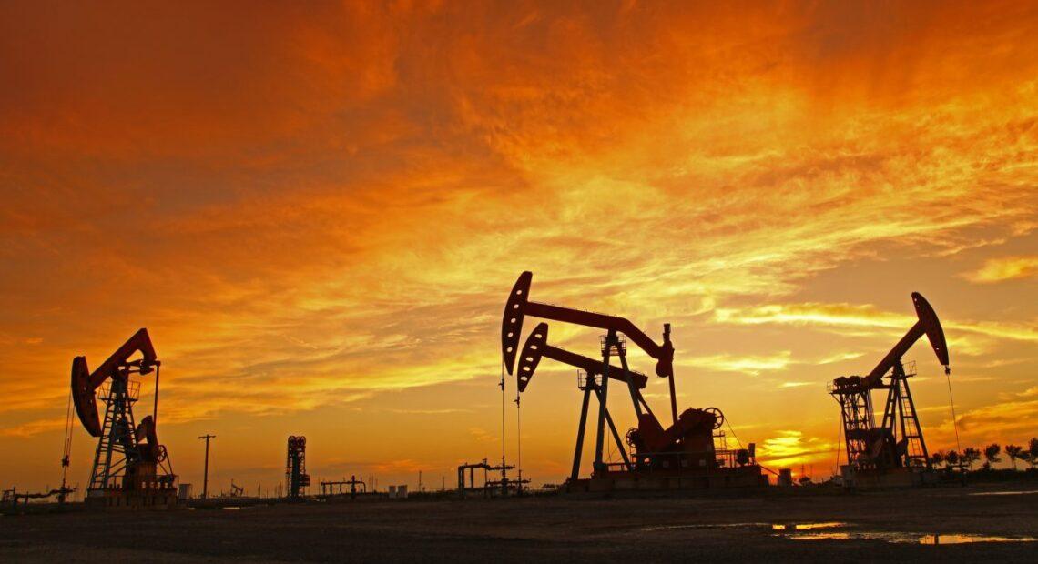 «Φωτιά» το πετρέλαιο: Άνοδος για πέμπτη συνεχόμενη μέρα – Μια ανάσα από τα $80