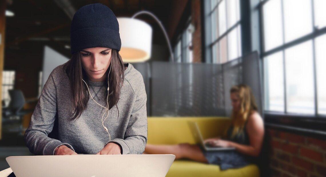 Χατζηδάκης: Ειδικό μπόνους για νέους εργαζομένους – Τέλη Οκτωβρίου τα αναδρομικά