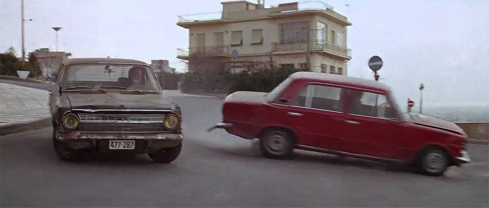 Όταν Jean-Paul Belmondo ήρθε Αθήνα – Πειραιά: Τον θυμόμαστε με ένα κυνηγητό μέσα σε αυτοκίνητα (+video)