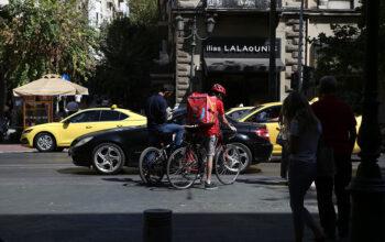 Delivery – courier: Τι ισχύει στην Ευρώπη και τι στην Ελλάδα – Τα δικαιώματα των εργαζομένων
