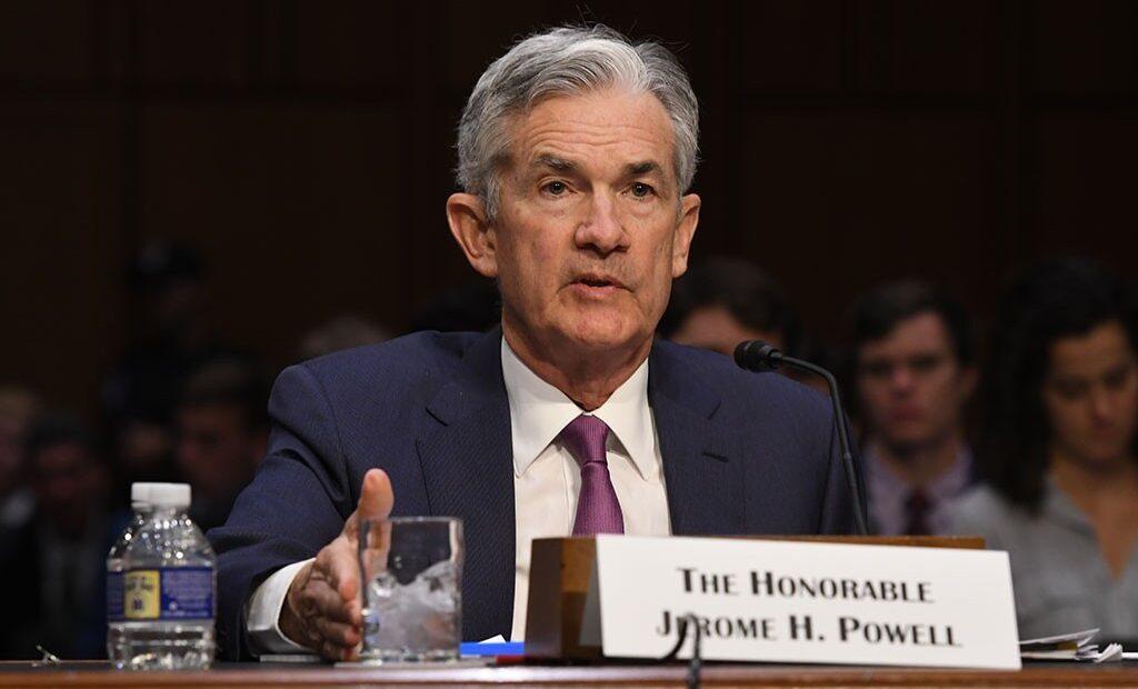 FED: Οι αγορές αναμένουν τον «χρησμό» Πάουελ – Πώς θα προετοιμάσει τους επενδυτές για το tapering