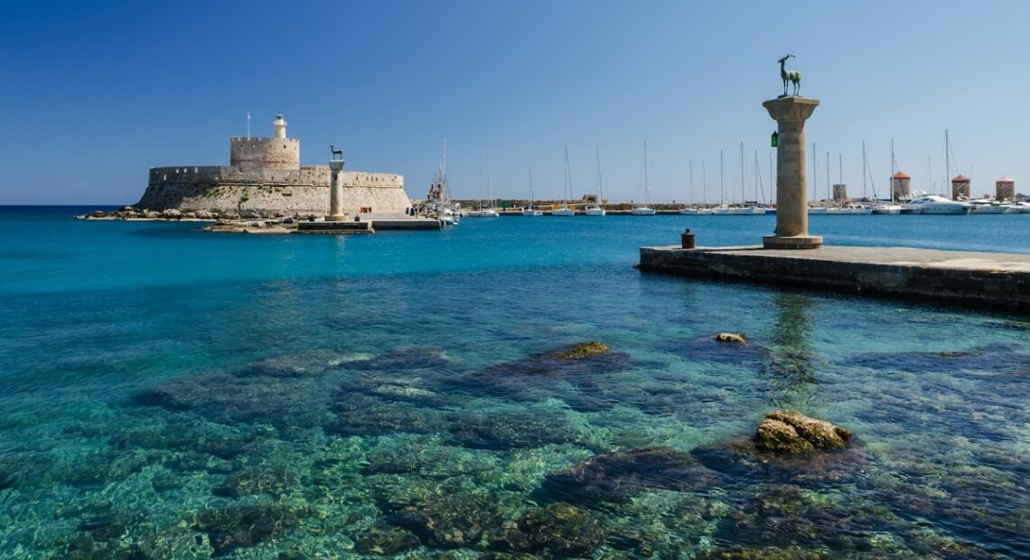 Greek Islands See September Arrivals Pouring in