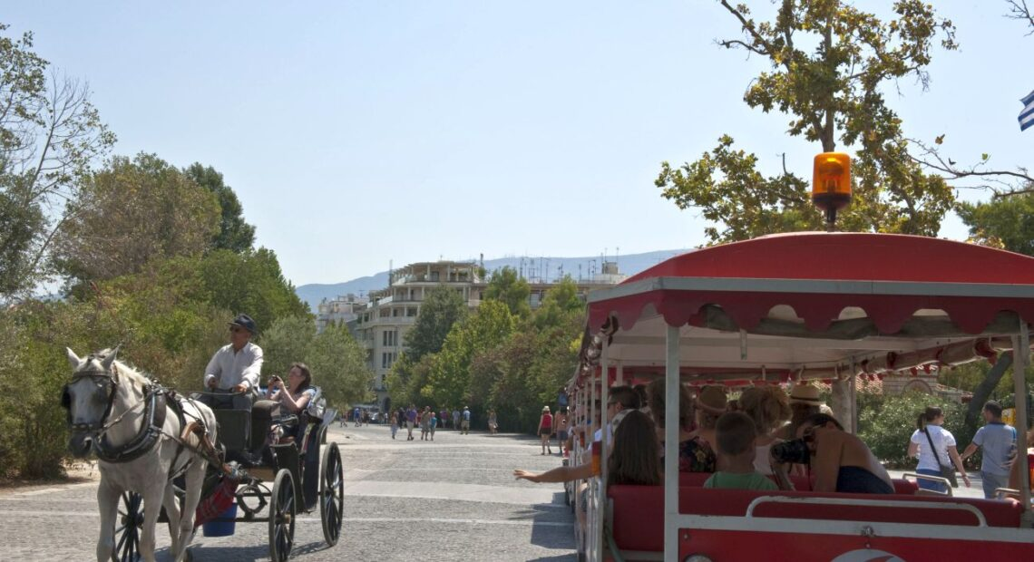 Russian Travelers Opt for Greece in the Fall