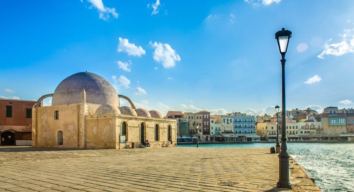 «Workation» από την Ελλάδα προτείνει στους Βρετανούς η TUI – Πόσο κοστίζουν τα «πακέτα»