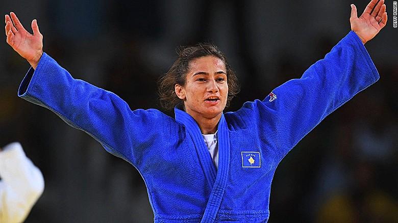 Αποσύρθηκε η πρώτη χρυσή Ολυμπιονίκης του Κοσόβου