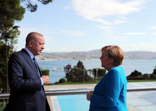 Γερμανικός Τύπος – To «μελαγχολικό» αντίο Ερντογάν στη Μέρκελ – «Χάνει τη σημαντικότερη σύμμαχό του»