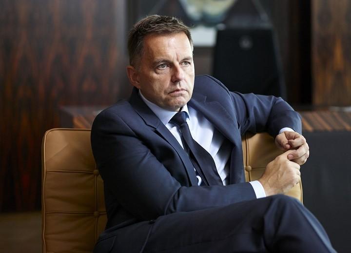 ΕΚΤ: Δεν παραιτείται ο Πίτερ Καζιμίρ – Ο υποδιοικητής της τράπεζας κατηγορείται για δωροδοκία