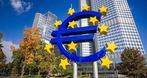 Ενρία (ΕΚΤ): Kρούει τον κώδωνα του κινδύνου για τα κόκκινα δάνεια
