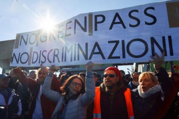 Ιταλία – Σε ισχύ από σήμερα το «πράσινο πάσο εμβολιασμού» – Περίπου το 80% των εργαζομένων το χρησιμοποιεί κανονικά