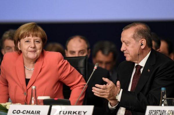 Το «αντίο» της Μέρκελ στον Ερντογάν – Ο αποχαιρετισμός δύο «φίλων»