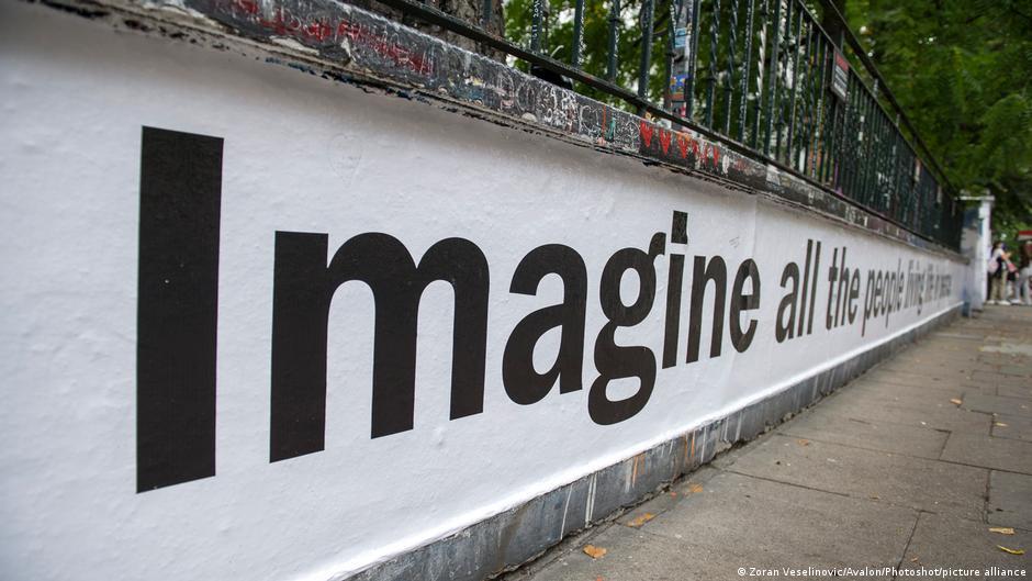 Το τραγούδι – σύμβολο «Imagine» του Τζον Λένον κλείνει τα 50 ονειροπόλησης