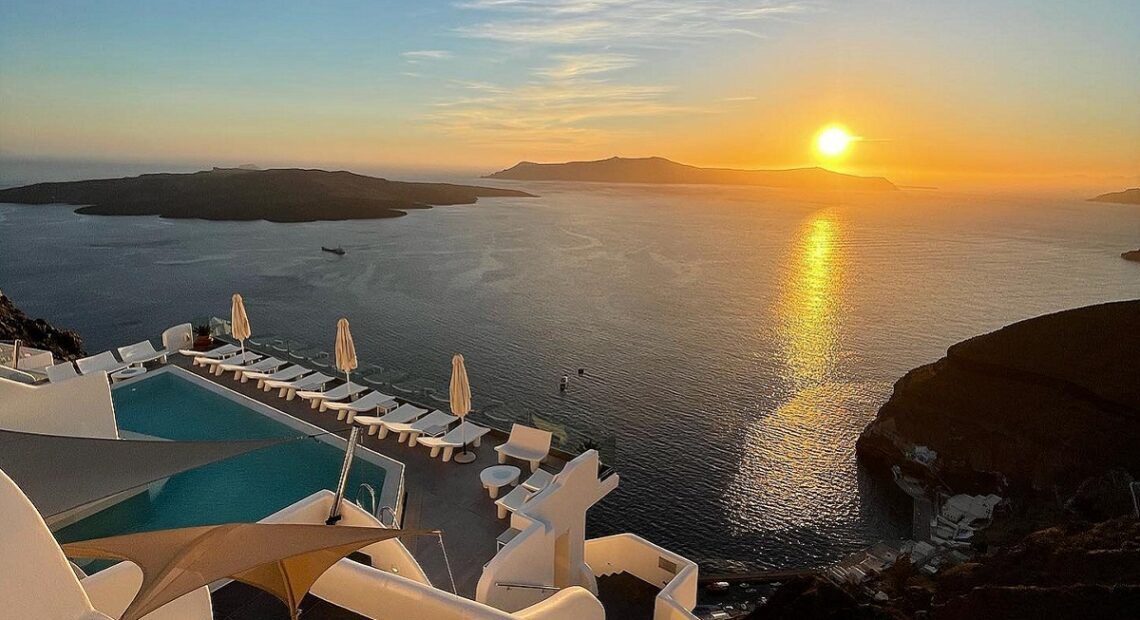Santorini's Athina Luxury Suites to Stay Open During Winter