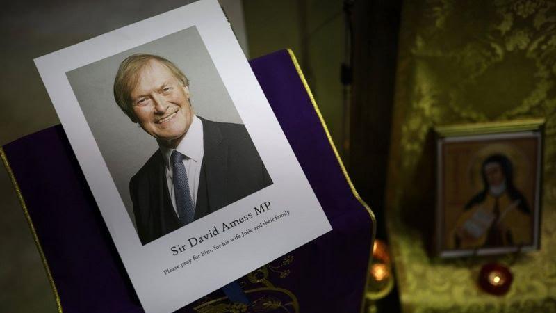 Telegraph: Ο ύποπτος για τη δολοφονία του βουλευτή Έιμες επέλεξε τυχαία το θύμα του