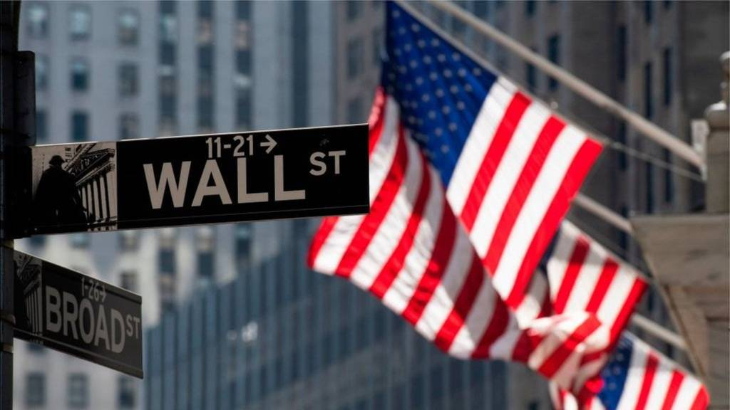 Wall Street: Η «σκιά» του πληθωρισμού πιέζει τον Dow Jones